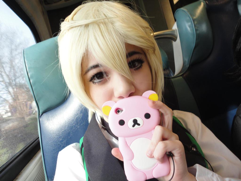 Alois Trancy - iPod on the TRAAIIINNNN by Kikuno-chan