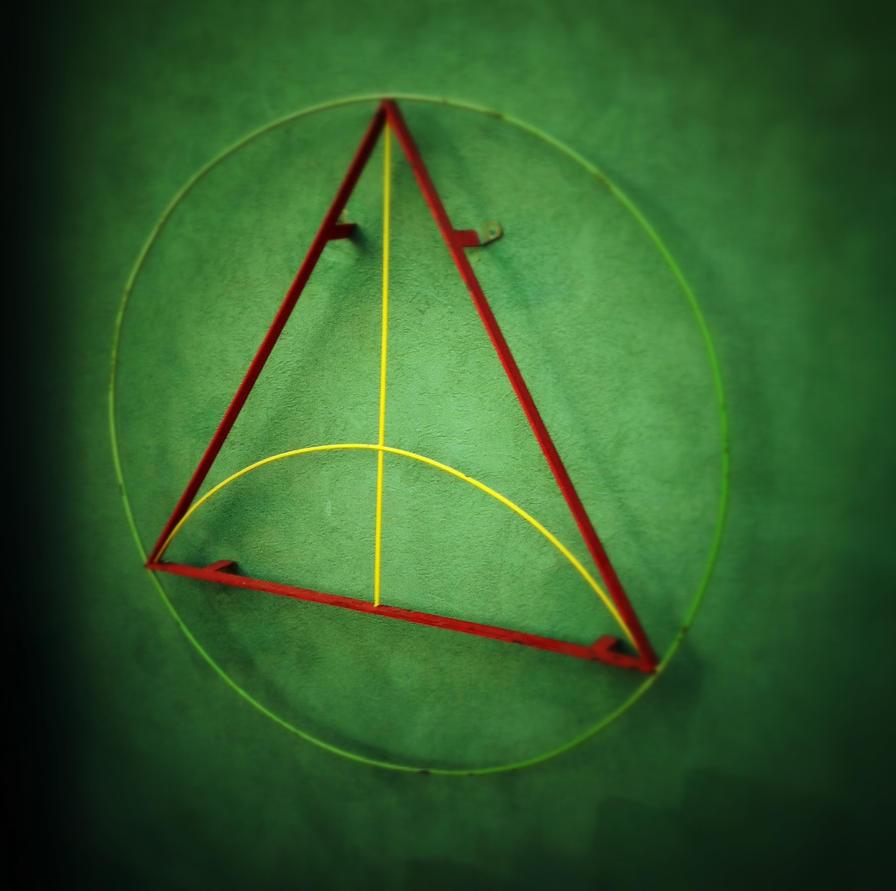 Tri Angle by paconavarro