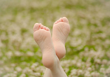 Sarah's Sunny Soles by nikongriffin