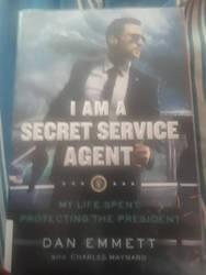 I am a Secret Service Agent  by pyrus125680