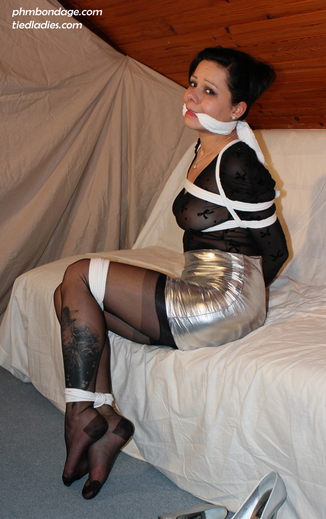 """model mistygrease  sexy girl tied up and gagged  by phmbond d5dslnj ... Janet Jackson's photo with the headline """"Yes, I'm Pregnant"""" on it."""