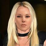 Hot Lara ! (Blonde !)