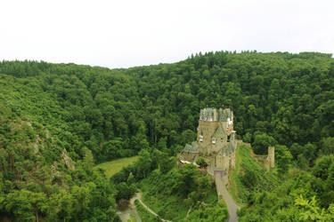 Eltz Castle by CAPSLOCK44