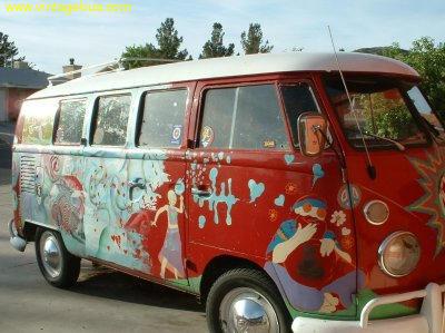 Hippie Bus by Captain-Llama