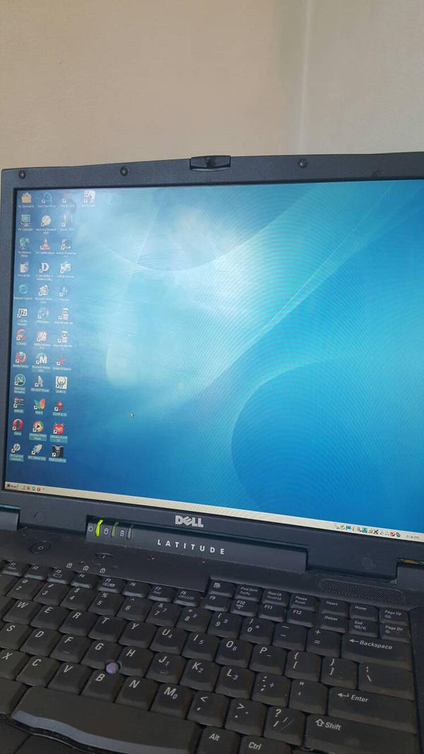 Dell Latitude C840 with Windows 2000 Professional. by ShermanShermanXFive