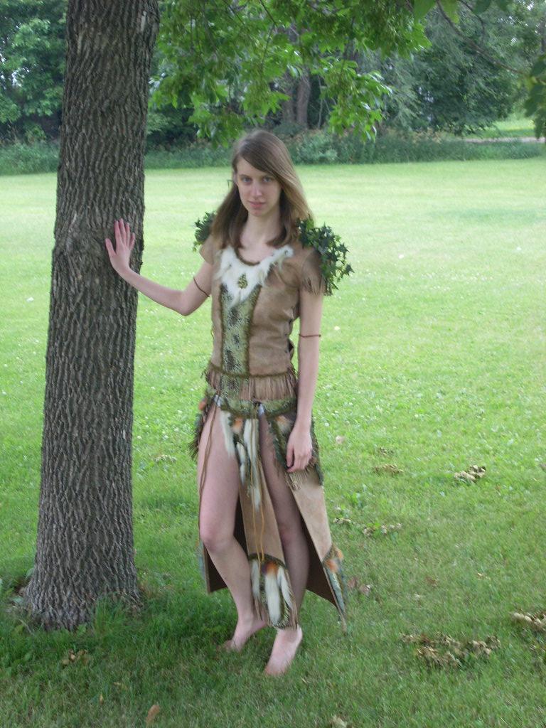 fantasy art priestess