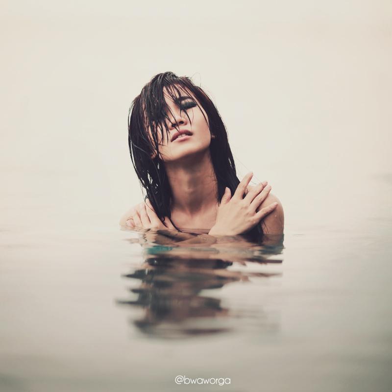 Drowning v.1 by bwaworga