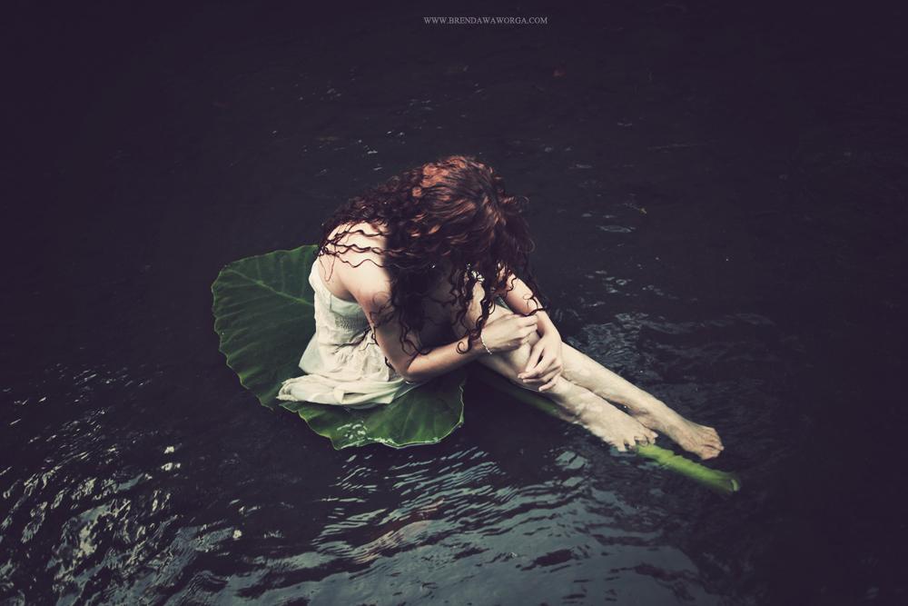 Floating to wonderland by bwaworga