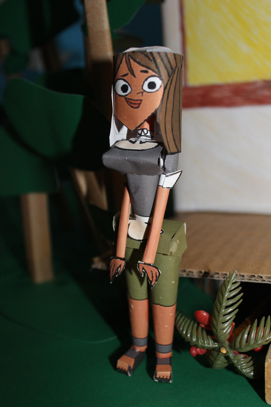 Courtney from Total Drama in Papercraft by ViluVector