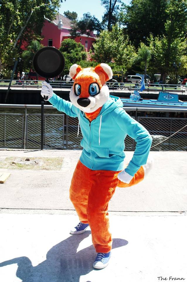 Conker the Squirrel cosplay by ViluVector