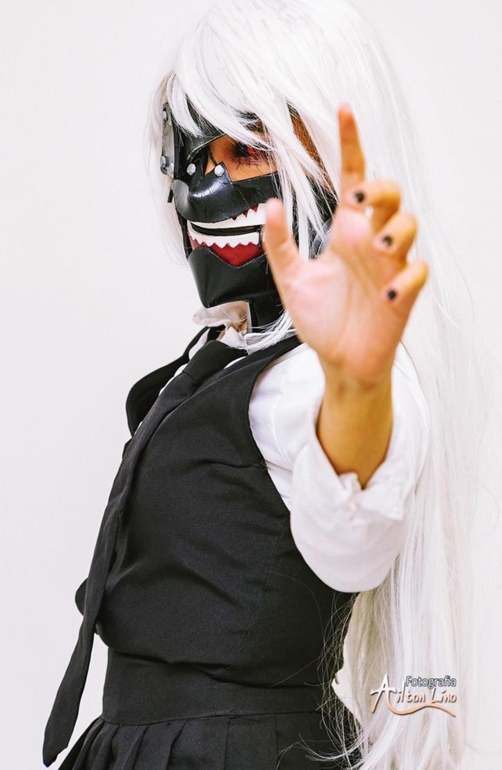 Cosplay Kaneki Ken Female (Tokyo Ghoul) by LazuliCosplay
