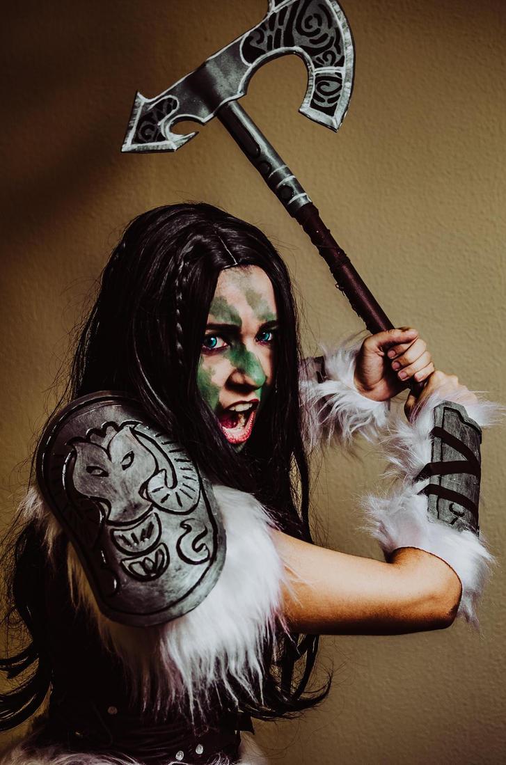 Cosplay Dragonborn (TES V: Skyrim) by LazuliCosplay