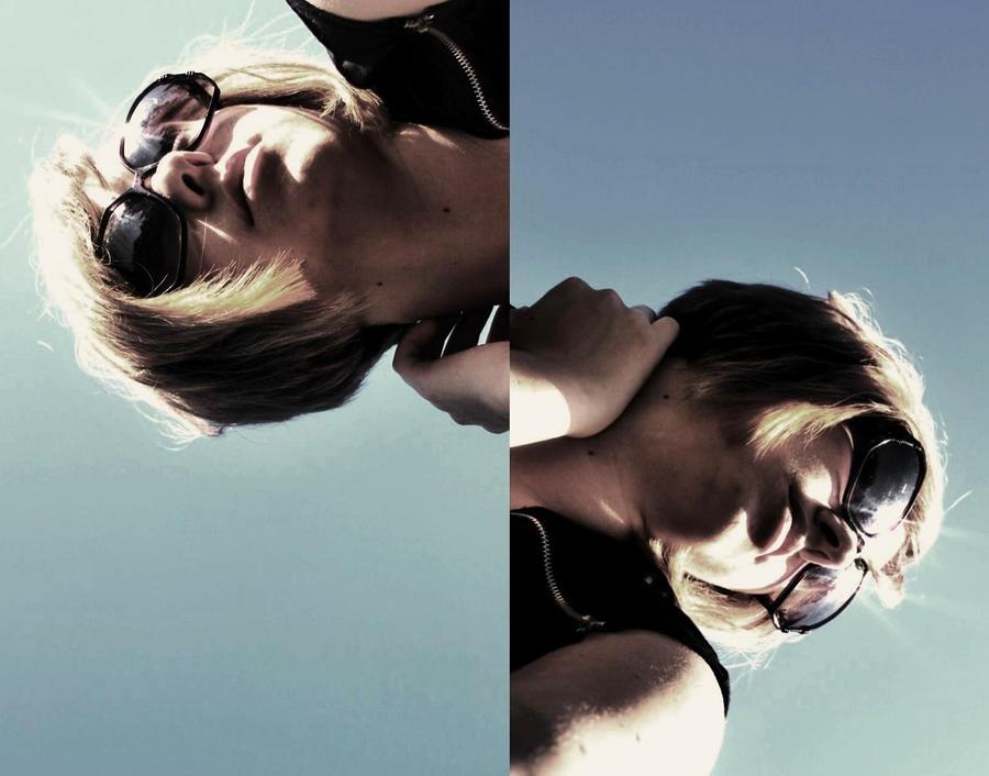 mirror images by retrobishojo