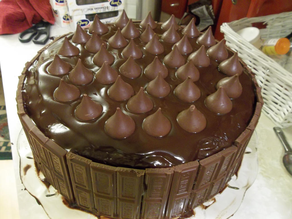 Cake Ideas With Chocolate Frosting : Chocolate cakes, Chocolate and Cakes on Pinterest