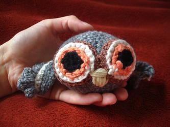 Grey amigurumi owl by Meowkernaut