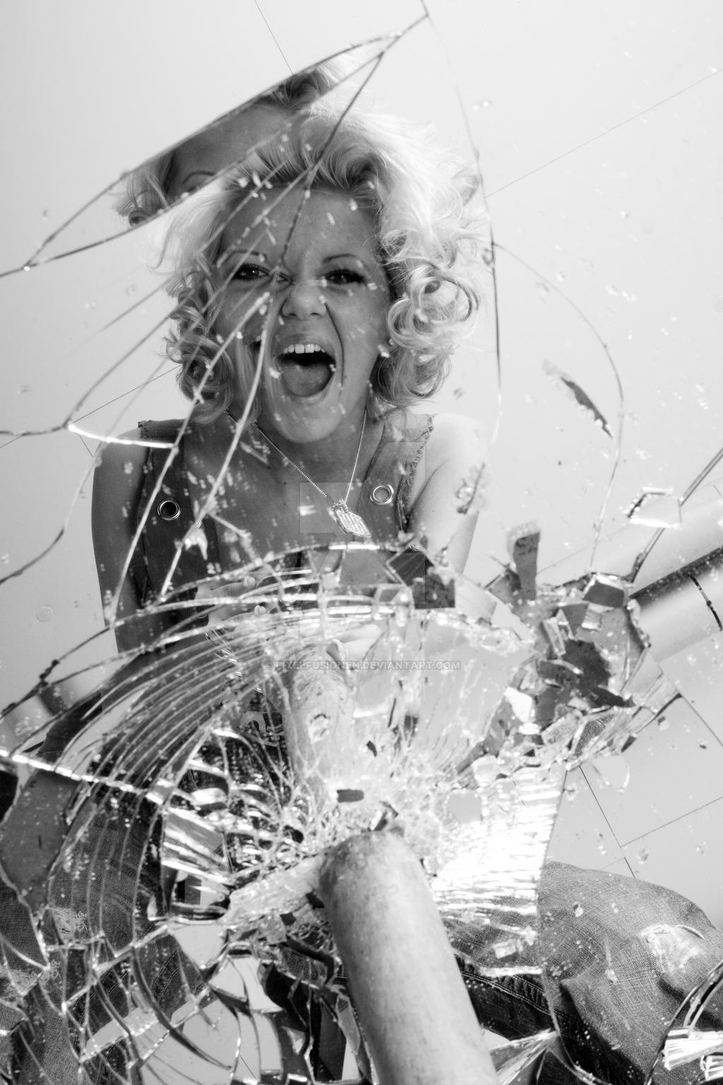 Broken mirror by pixelfusionen on deviantart for Broken mirror art