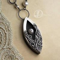 Hidden pearl by drakonaria