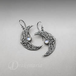 Sindarin - Ithil - silver earrings with moonstones by drakonaria