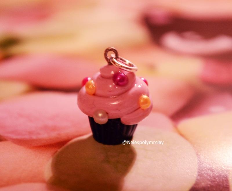 Puffy pink cupcake, polymer clay by Nelespolymerclay