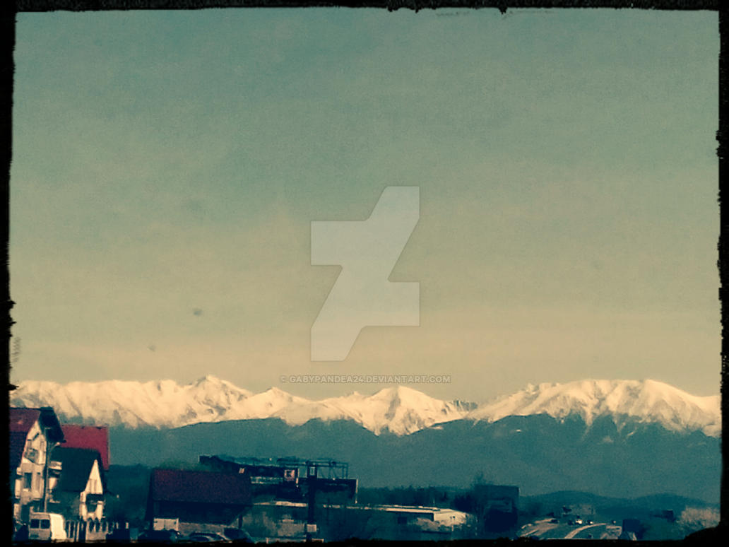 mountain and snow by gabypandea24