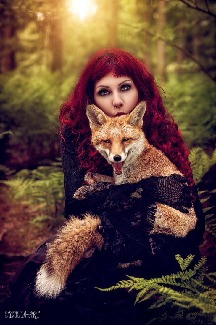 Foxes kisses by Drastique-Plastique