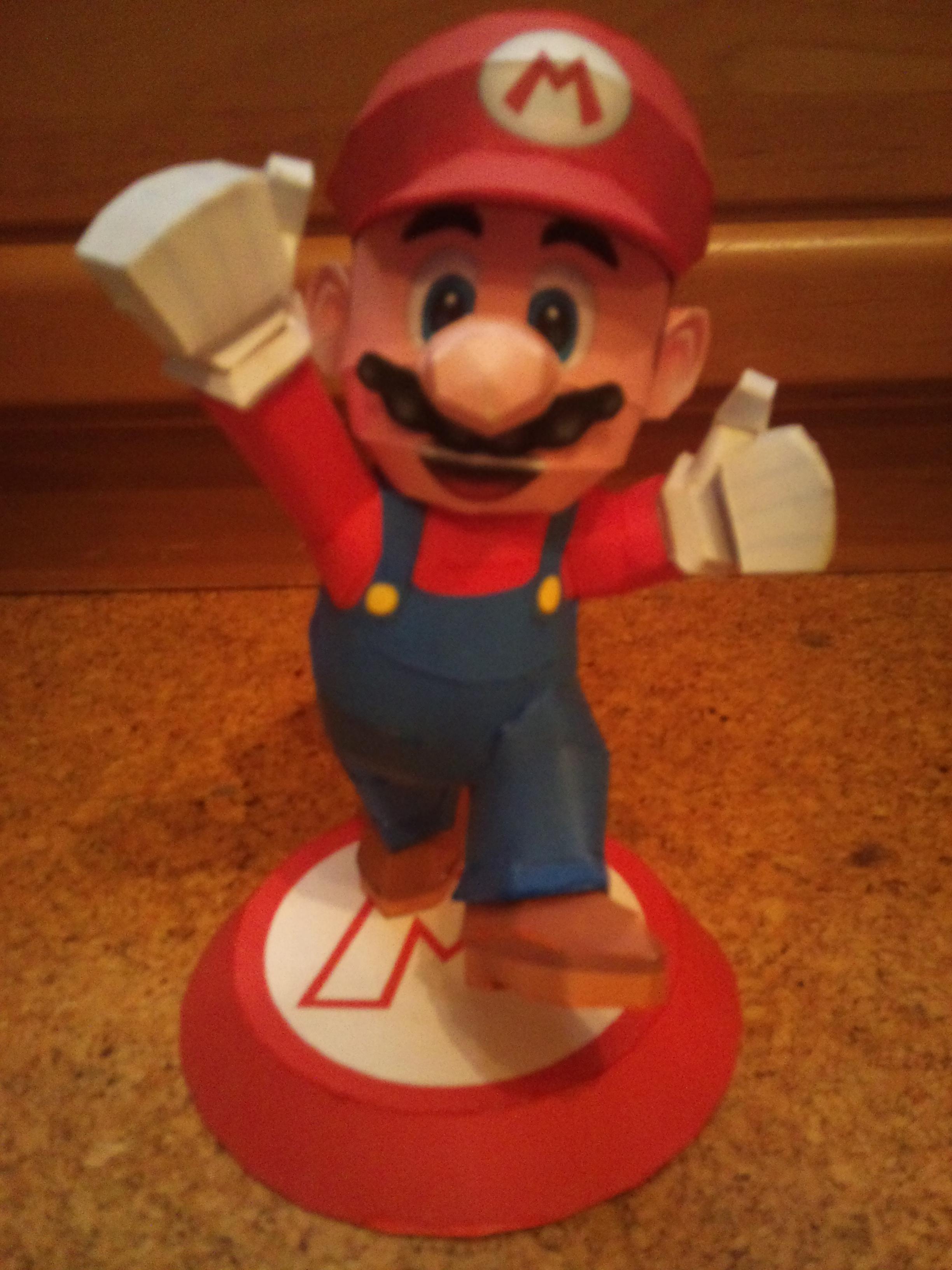 Mario Papercraft by EdMcSmoke