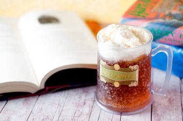Gluten Free - Butterbeer Cupcakes by chibi-lenne