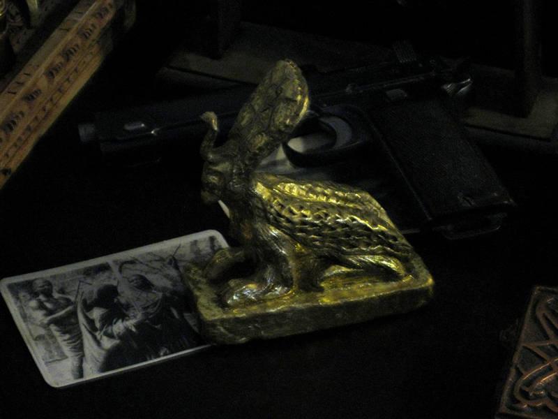 Nyarlathotep gold Idol by vonmeer