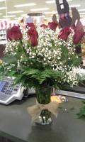 Burlap Dozen Rose Arrangement by pippierafrostlin