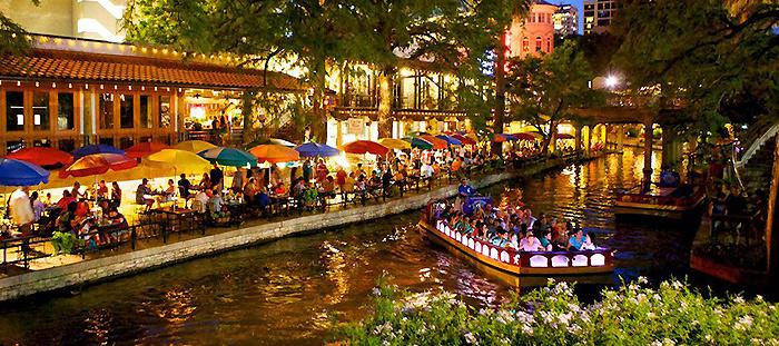 San-Antonio-Riverwalk by darkspeeds