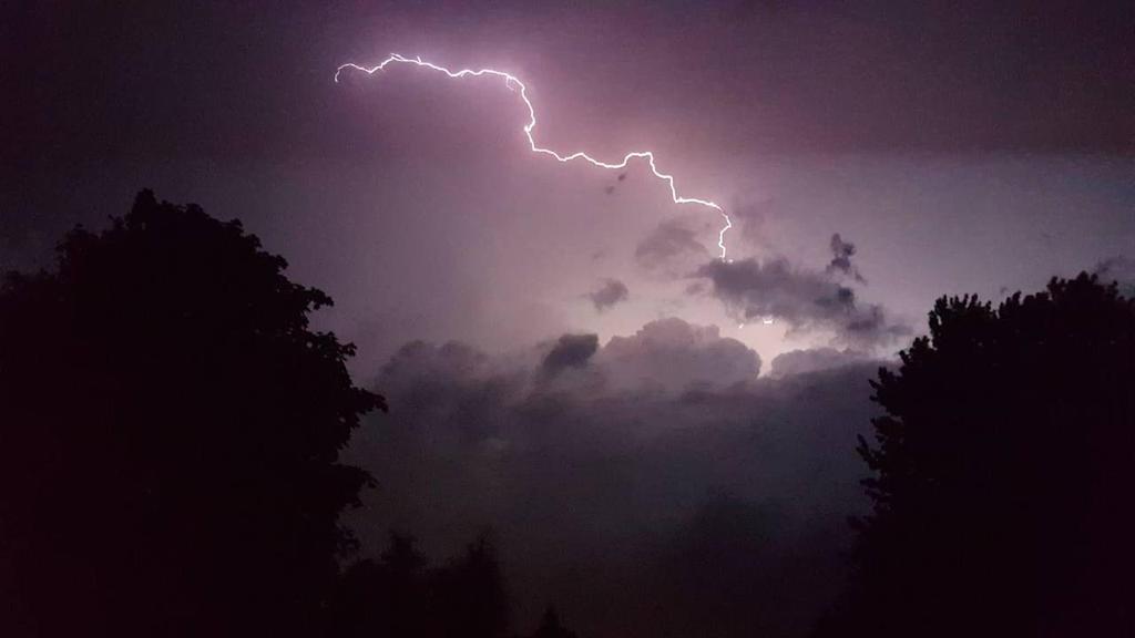 Lightning  by Lil-J-vs-Gavin