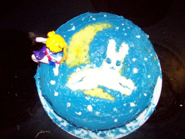 Sailor Moon Cake top by V-V-RaE on deviantART