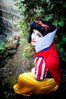 'She was as white as snow'  Snow White by CrazyMonkey87