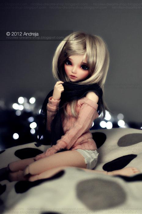 Jess - Scarf by AndrejA