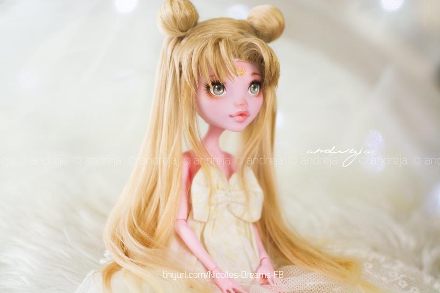 Serenity/Sailor Moon custom MH Draculaura by AndrejA