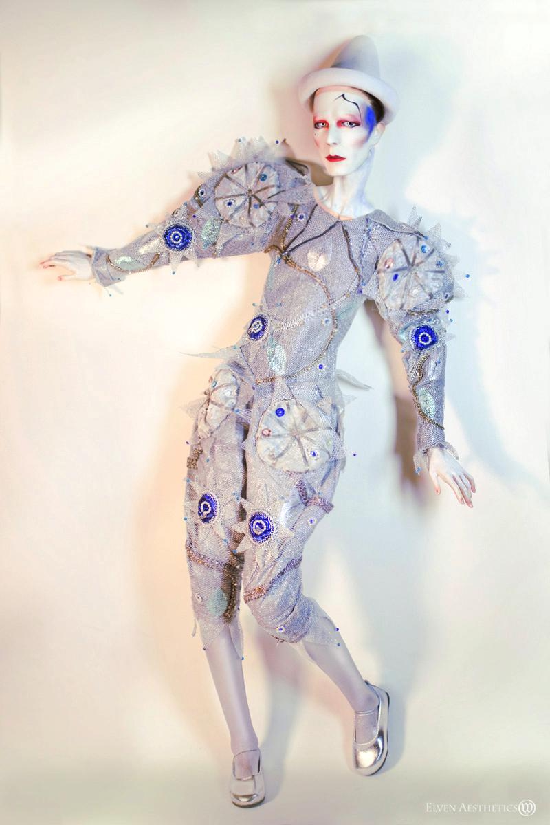 Blue Pierrot by Katyok