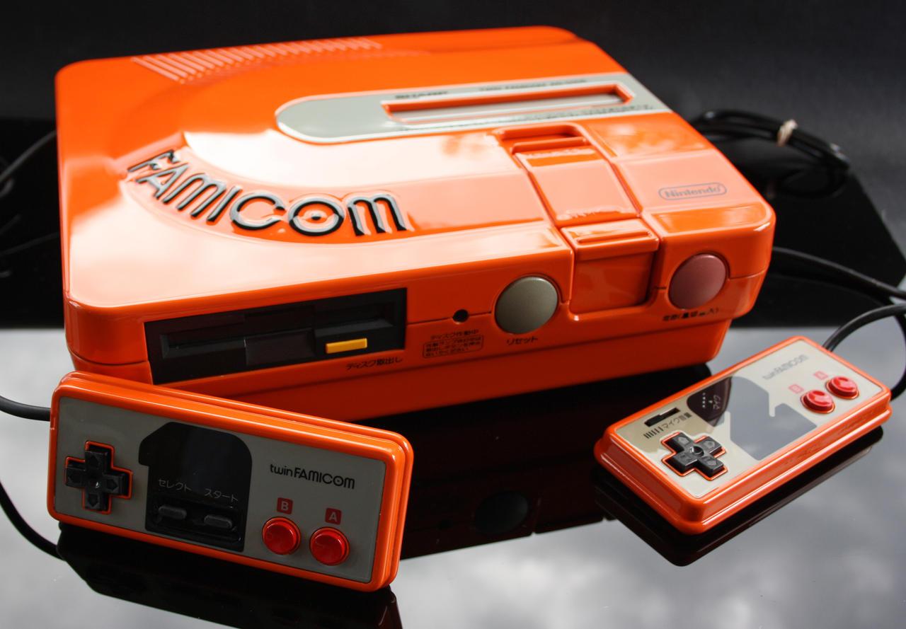 custom Twin Famicom by Zoki64