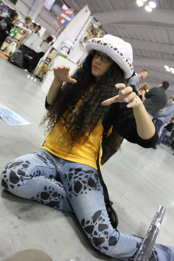 Female Trafalgar Law Cosplay by babblkyn1 on DeviantArt
