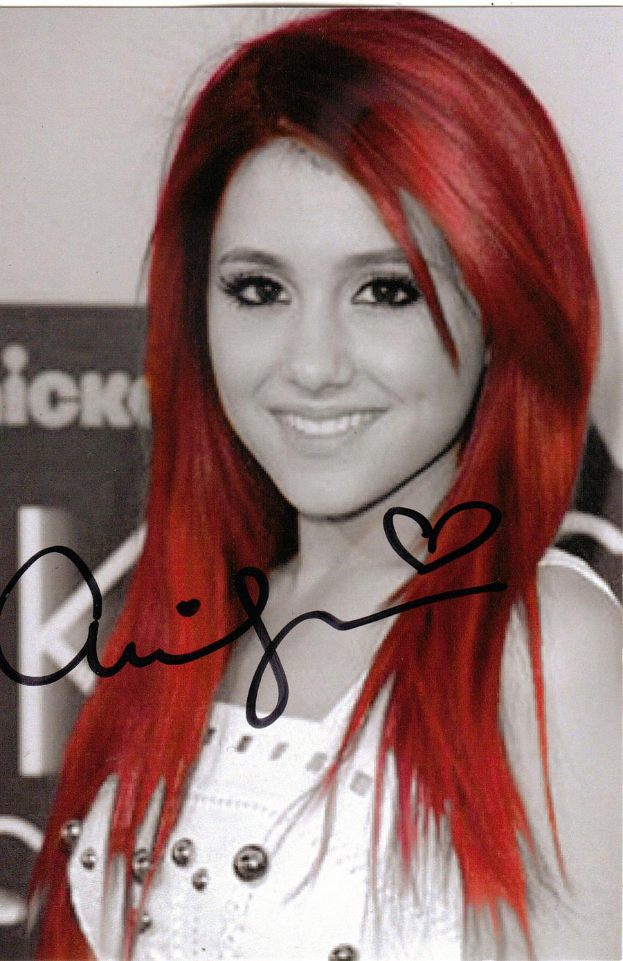 Ariana Grande's Autograph by FreakIveek on DeviantArt: freakiveek.deviantart.com/art/Ariana-Grande-s-Autograph-245883364