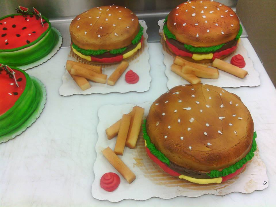 Hamburger cake by KauseNeffect
