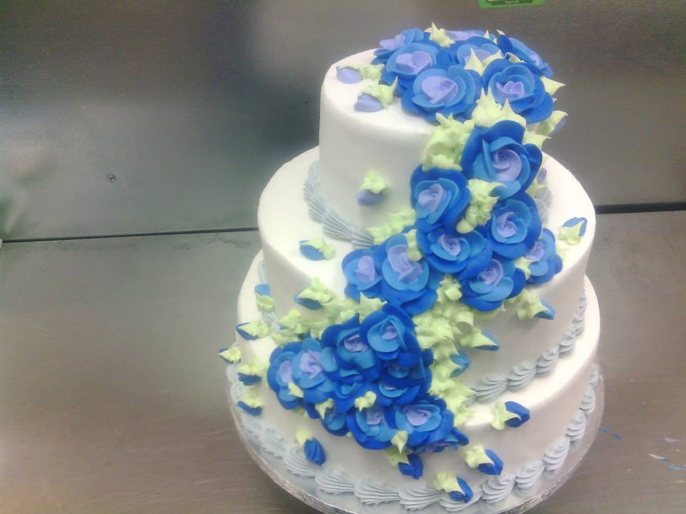 Gorgeous Wedding Cake by KauseNeffect