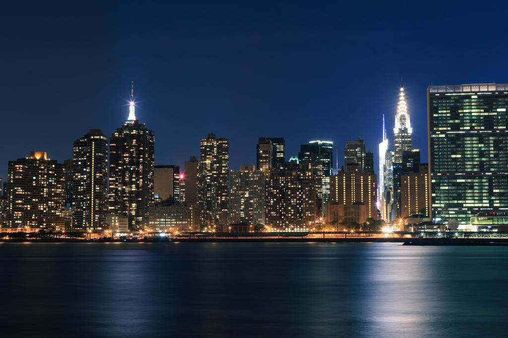 Good Night New York by Valentin-Stanciu