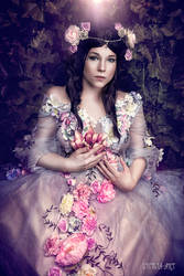 flower fairy by Lycilia