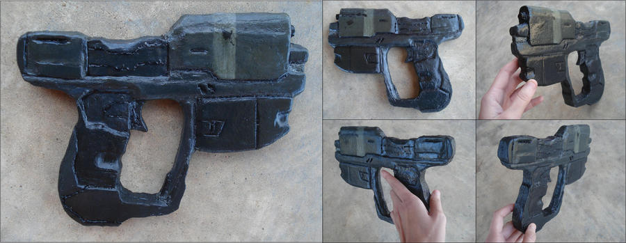 Halo Magnum Pistol by RebelATS