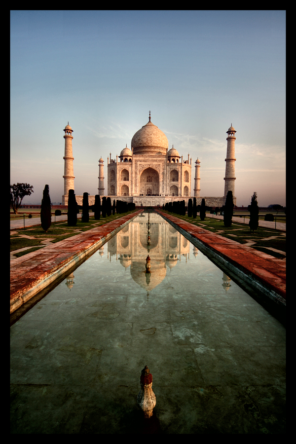Seven Wonders - The Taj Mahal by johanishere