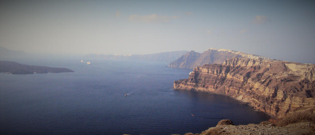 Santorini island by metalmorphoses