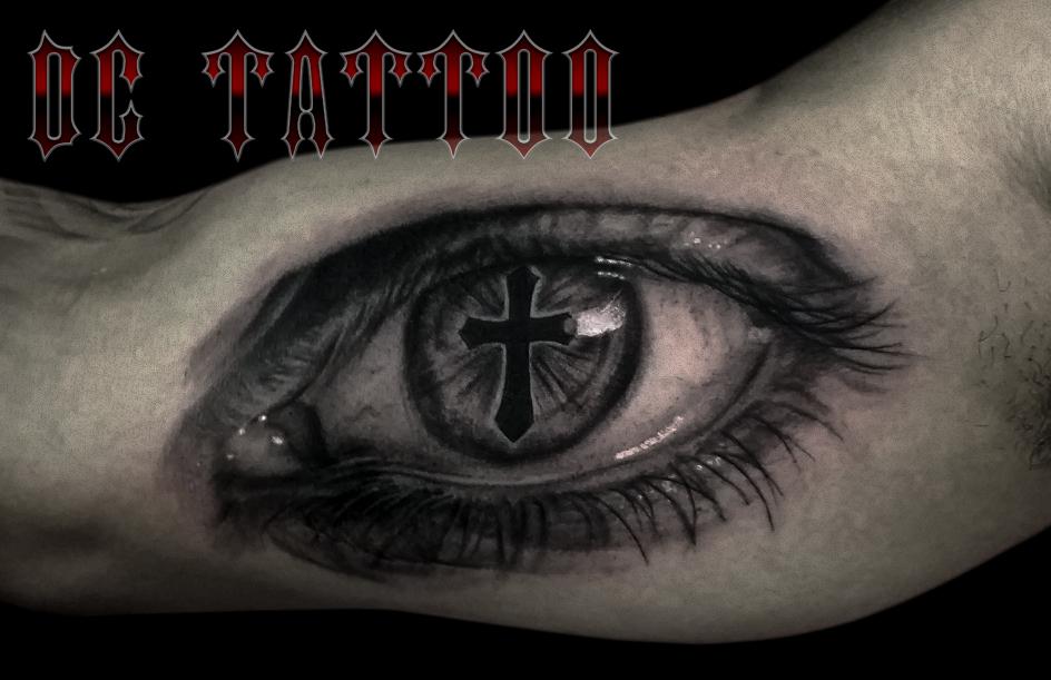 Eye tattoo by disse86 on deviantart for Eyeball tattoo pics