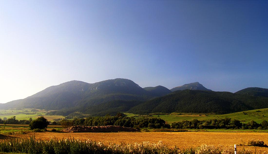 Summer skyline by krigl