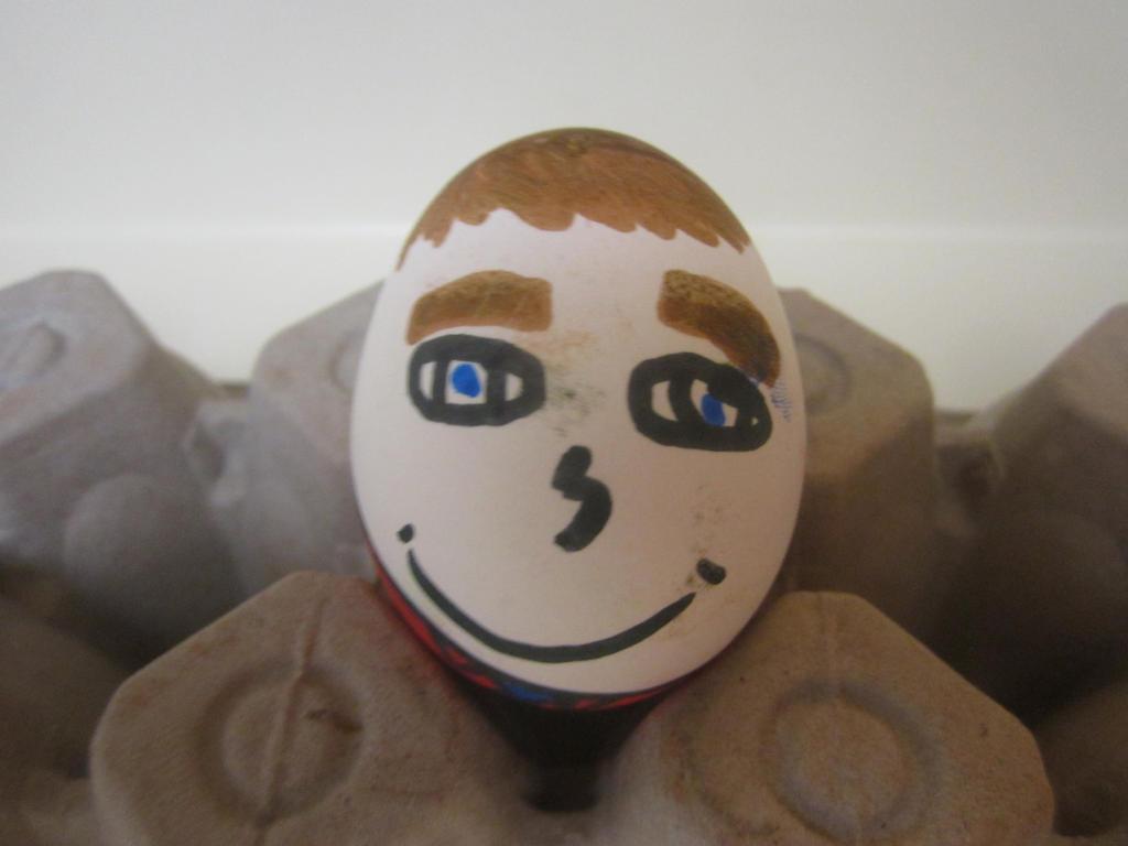 Robert Pattinson Easter Egg by NickelodeonLover