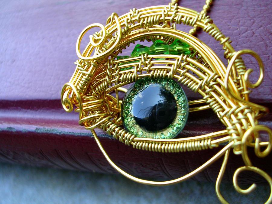 Wire - Baby Drargon Evil Eye Green Gold Peridot 2